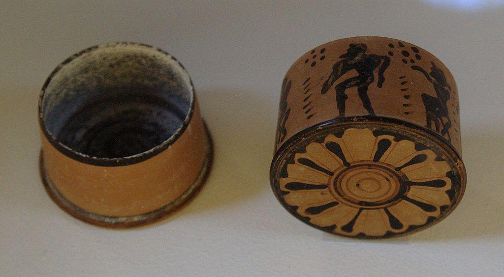 corinthian_pyxis_6th_c_bc_antikenmuseum_basel_n2.jpg