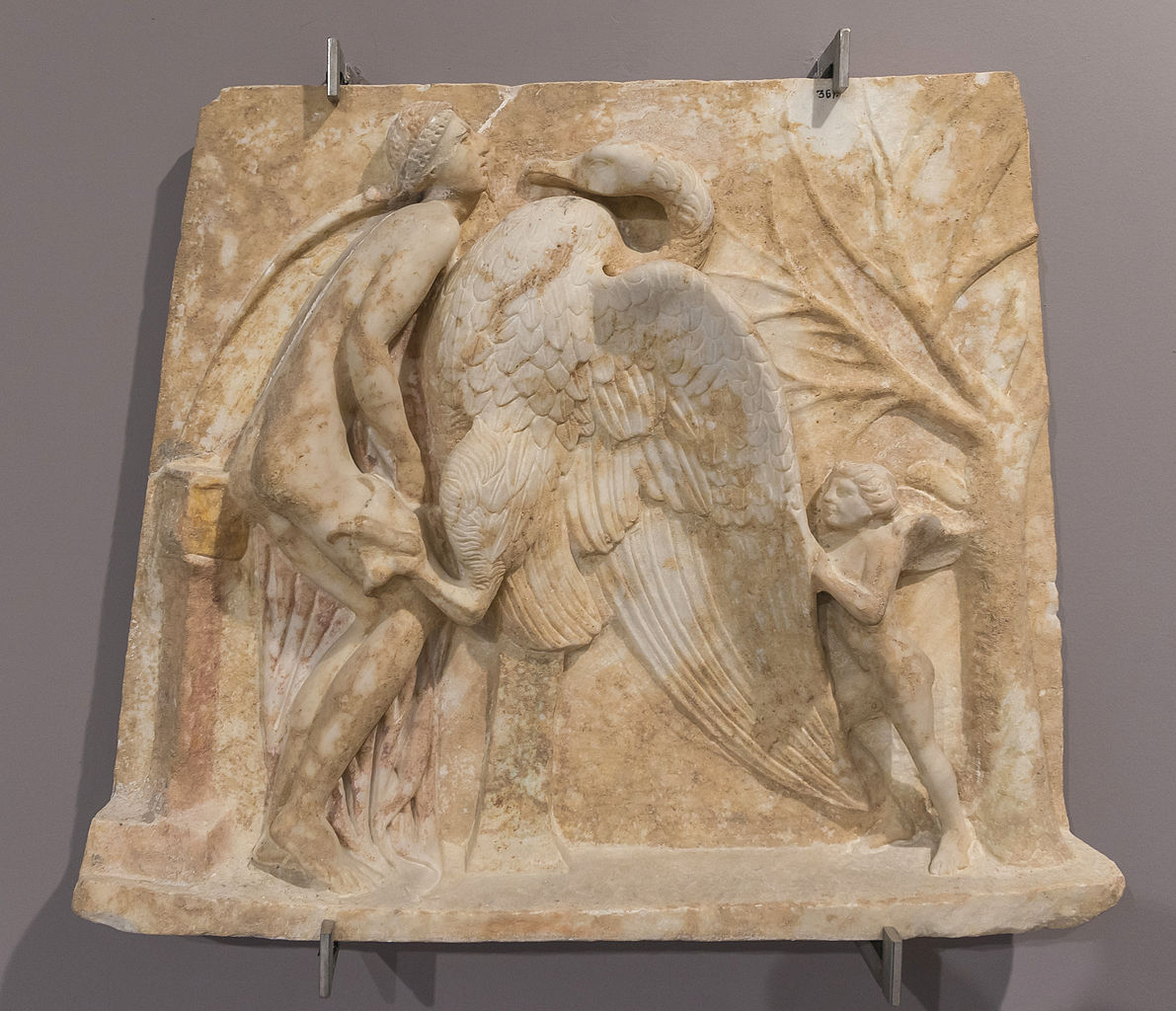 leda_and_the_swan_archmus_heraklion.jpg