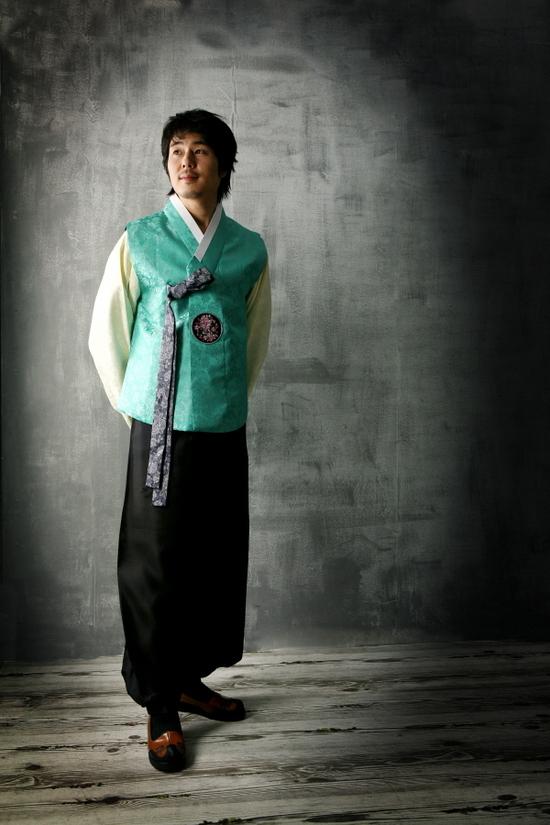 Férfi hanbok: felül a csogori, alul a padzsi. Fotó: Nate