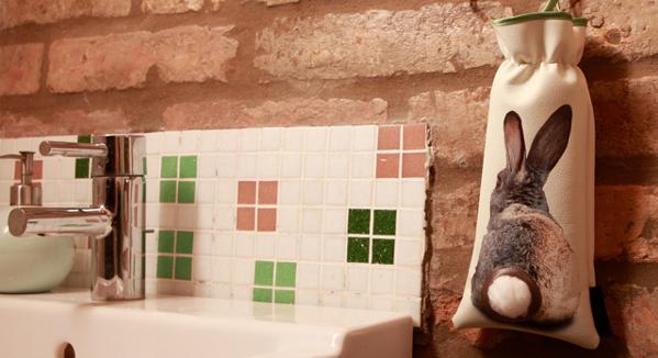 Nyuszi ül a fürdőben - XMISS