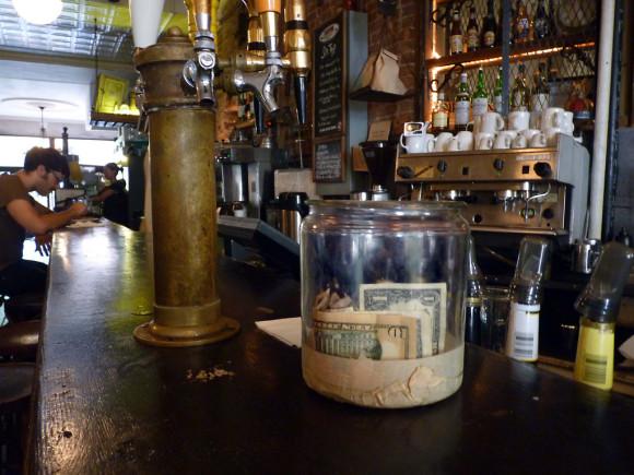 coffee-shop-tip-jar-580x435.jpg