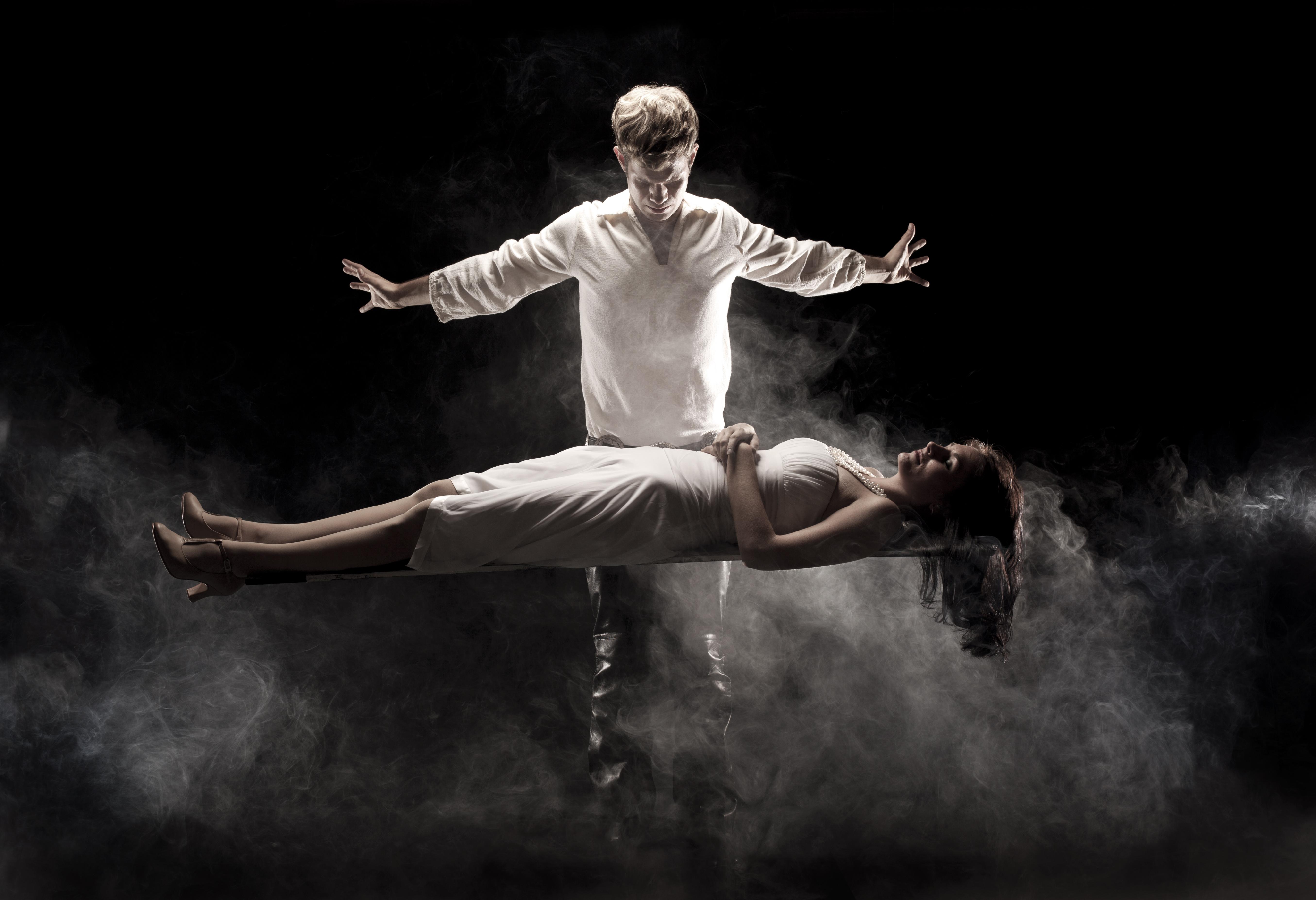 sammy-cortino-levitating-his-leading-lady-lyndsay-thomas_1.jpg