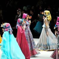Mi történik most a muszlim divatban?