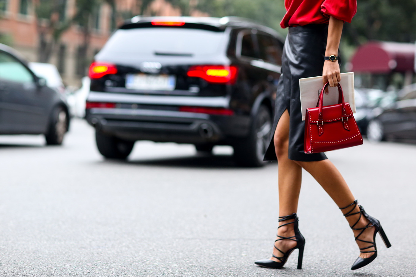 what-to-wear-with-block-heels-street-style-inspiration-29.jpg