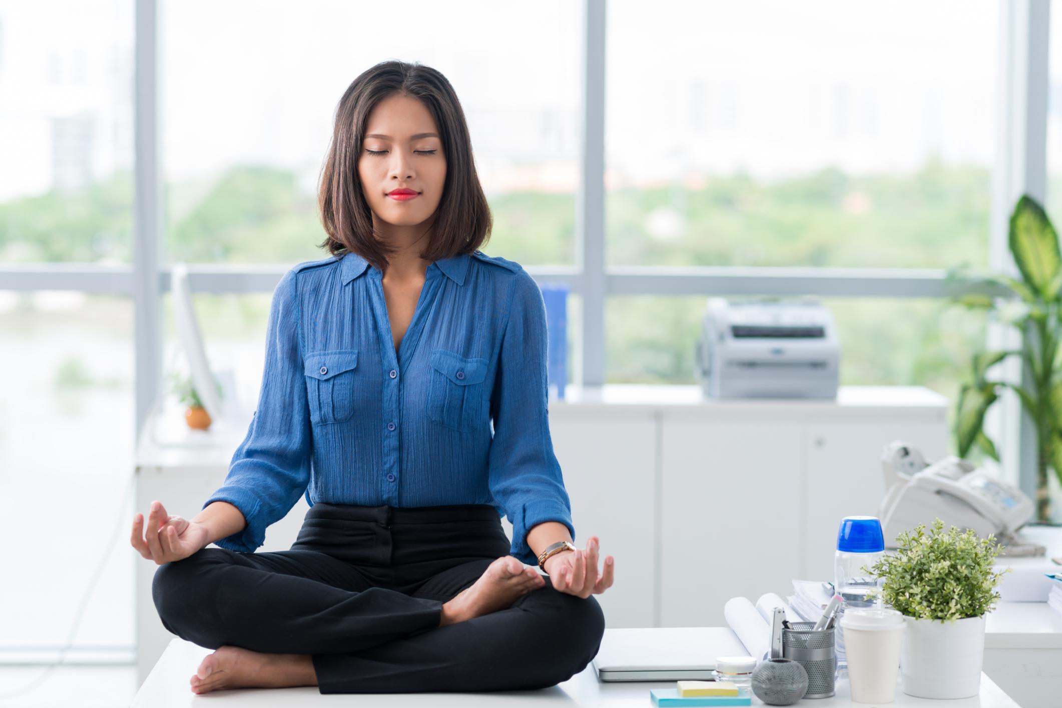 yoga_businesswoman.jpg