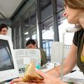 Te hogyan ebédelsz? 4 észrevétlen szokás, ami túlsúlyt okoz