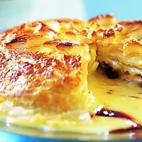 Leveles tésztában sült brie sajt áfonyával