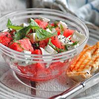 Leszámolunk az unalmas salátákkal: 3 variáció nyárra