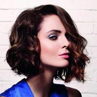 Képek! Nőies, félhosszú frizurák tavaszra - Kevés hajból is