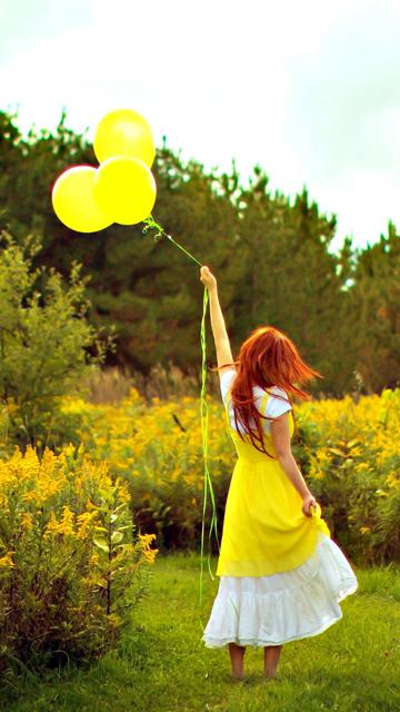 girl-with-balloons-wallpaper.jpg
