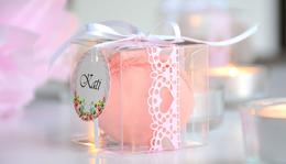 Macaron átlátszó dobozban csipketapasszal