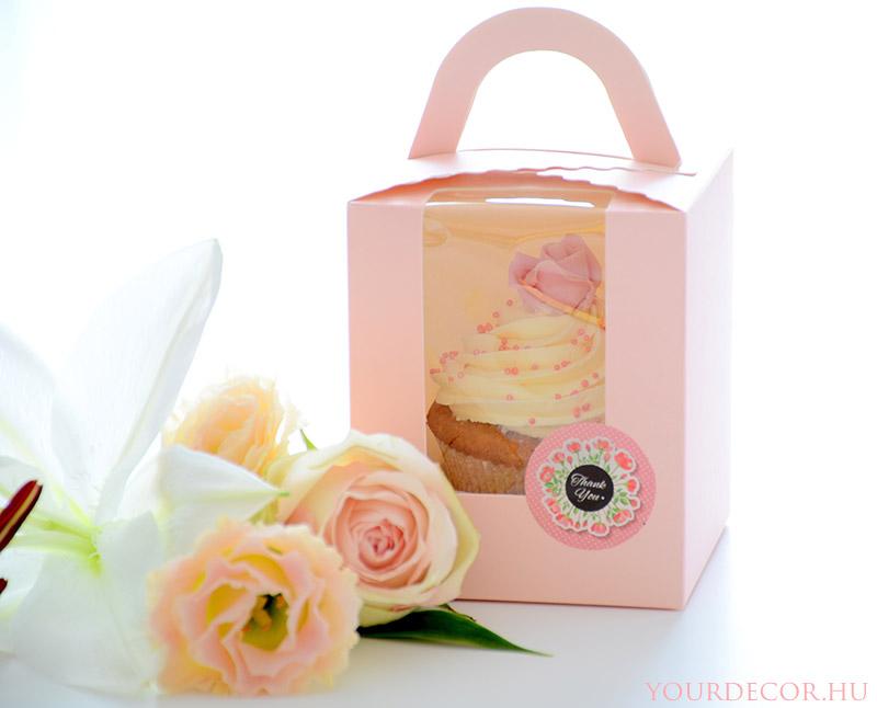cupcake-dobozban-eskuvoi-koszonetajandek-vendegajandek-babavaro-koszonoajandek.jpg