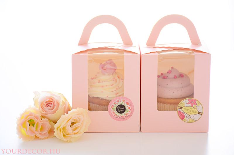 cupcake-dobozban-eskuvoi-koszonetajandek-vendegajandek-babavaro-koszonoajandek2.jpg