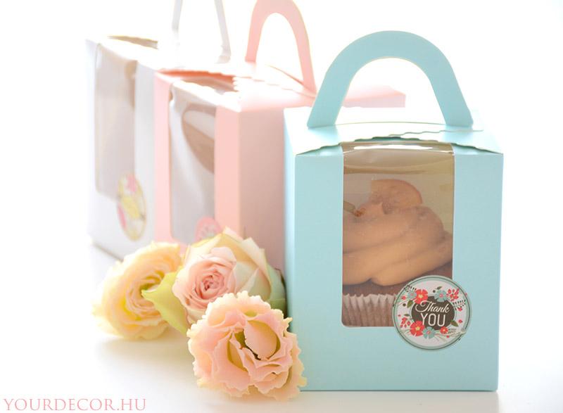 cupcake-dobozban-eskuvoi-koszonetajandek-vendegajandek-babavaro-koszonoajandek6.jpg