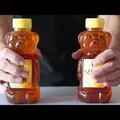 Ettől a Youtube videótól garantáltan el megy a kedved a méz evéstől