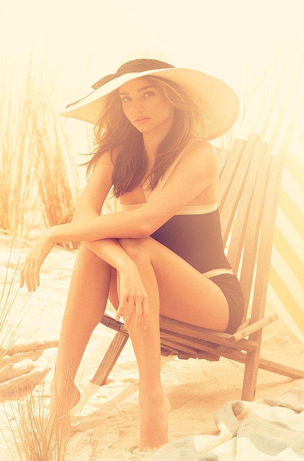 Miranda-Kerr-by-Alexi-Lubomirski-for-Harpers-Bazaar-UK-4.jpg