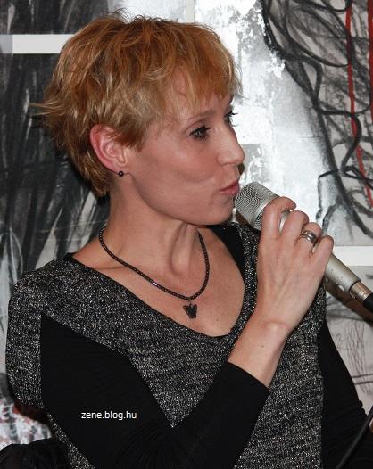 Bombera Krisztinának megered a nyelve