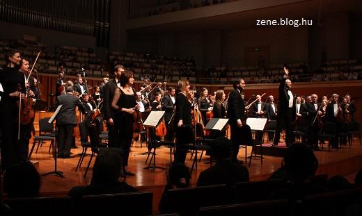 pekingi-koncert-bfz-1.jpg