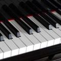 Ingyenes online zongora leckék, billentyű (keyboard) oktatóanyagok, zeneelméleti anyagok.