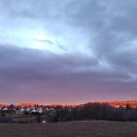 Decemberi napfelkelte a Pintér-hegy felett... és naplemente este Akli felé