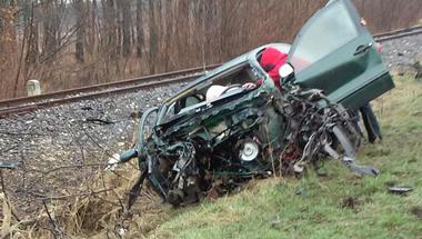 Sokkoló képek a tegnapi eplényi balesetről - újabb képek!