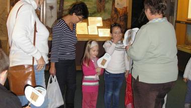 Elözönlötték a múzeumot a zirci ovisok