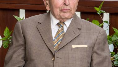 ELHUNYT DR. MONSZPART LÁSZLÓ, ZIRC VÁROS DÍSZPOLGÁRA