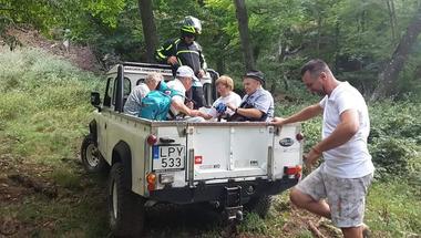 Rosszul lett az erdőben, terepjáró és helikopter segítette a mentést
