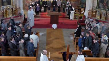 Húsvét Bakonybélben- Közösség és hagyomány