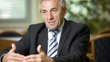 Varga Antal lemondott a Zirci Takarékszövetkezet elnök-ügyvezető pozíciójáról