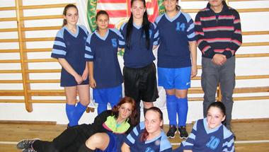 Harmadik helyen végeztek a focista lányok
