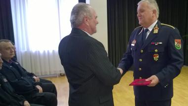 Elismeréssel vonul nyugdíjba Németh Tamás tűzoltó