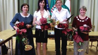 """Hölgyeké az elsőség – átadták a """"Zirc Város Közszolgálatáért"""" kitüntetéseket"""