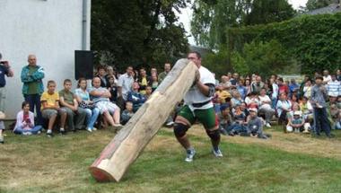 Fanyűvő Országos Bajnokság - Erős Emberek Versenye Bakonybél