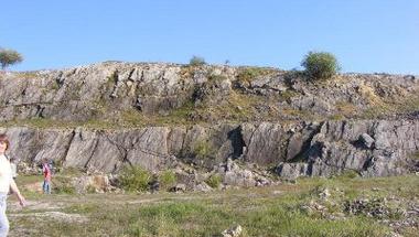 Last minute - Geotúra feketén-fehéren vasárnap, április 1-jén