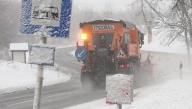Hóhelyzet Veszprém megyében: senki ne induljon útnak Pápa környékén