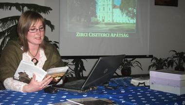Könyv jelent meg Zircről