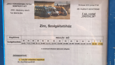 Új buszmegálló az Alkotmány utcában