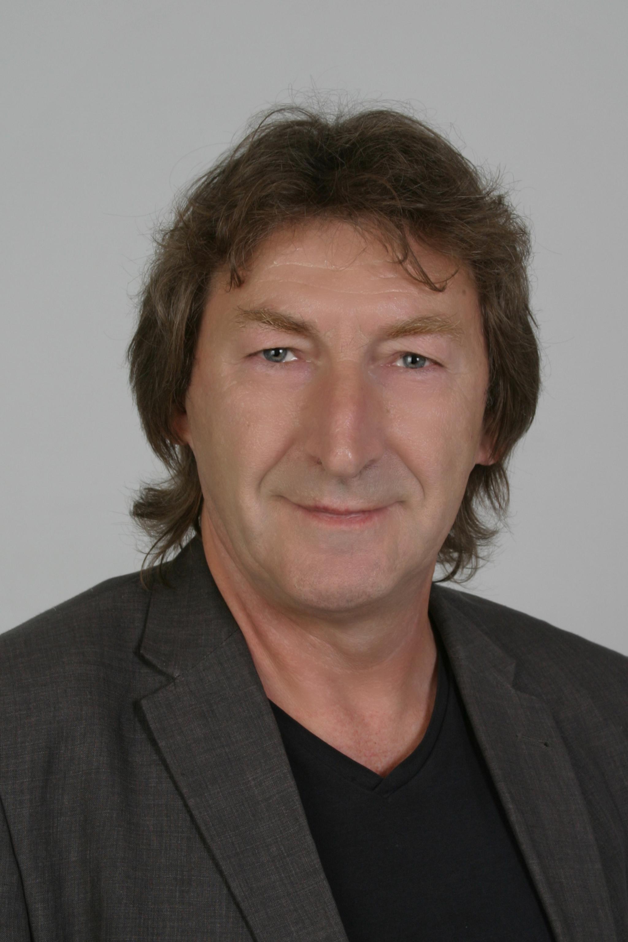 Dr.Kovács László.jpg