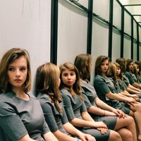 Szerinted hány lány ül a képen?! :)