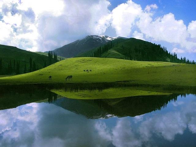 Lake-Deosai-Plains-Pakistan.jpg