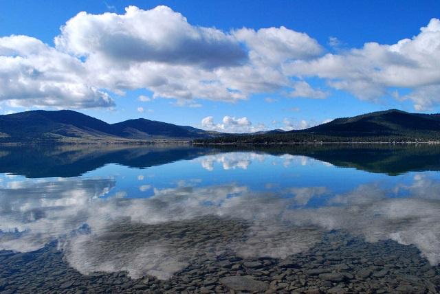Lake-Flathead-Mountain-Lake-Picture.jpg