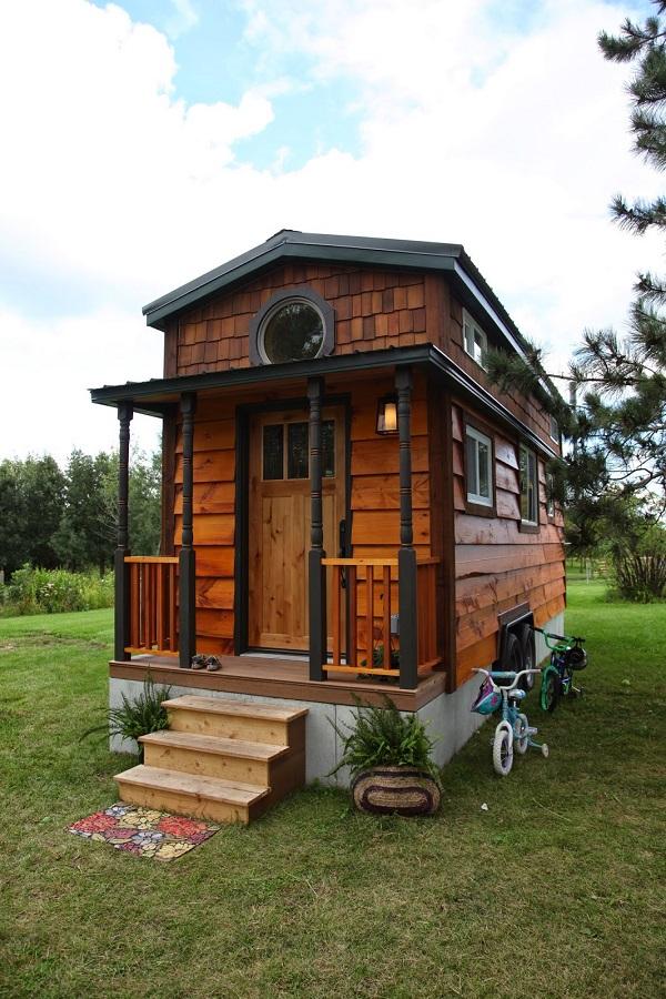 Tiny-House-Family-Exterior_1.jpg