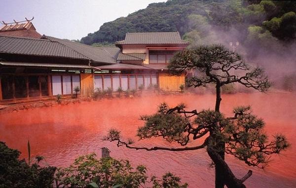 blood_pond_hot_spring_kyushu_japan.jpg