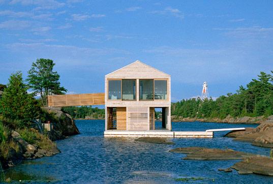 floatinghuronhouse132.jpg