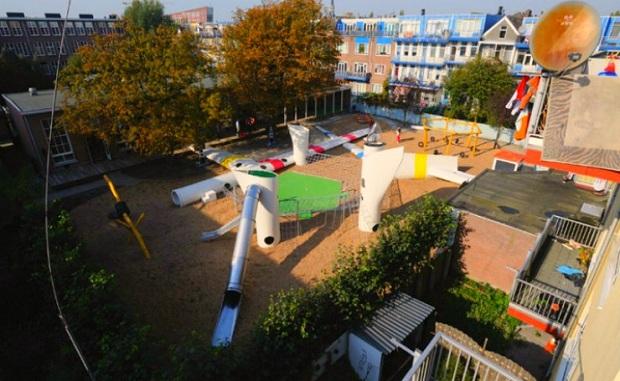 playground-2012-architecten-recycled-wind-turbine-hp.jpg