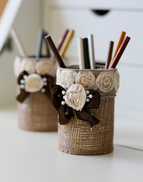diy-rustic-burlap-pencil-holder-1.jpeg
