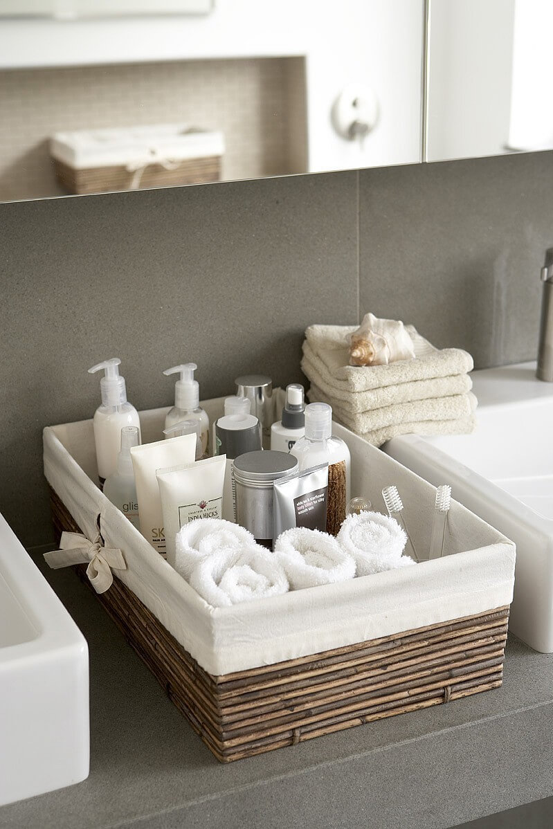 41-small-bathroom-storage-ideas-homebnc.jpg
