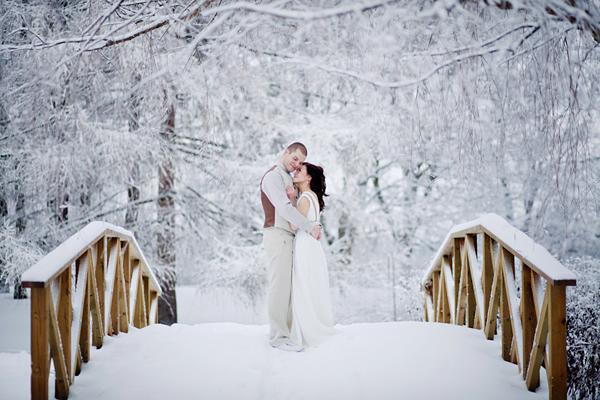 winter-wedding-bridge.jpg
