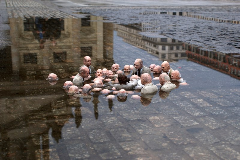 isaac-cordal-politicians-discussing-global-warming-from-the-series-follow-the-leaders-2011-berlin-germany-installation-view-photo-credits-isaac-cordal.jpg